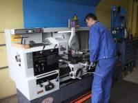 Ersatzteilfertigung auf PX2060 Universaldrehmaschine von Schachermayer